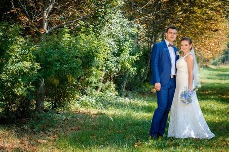 http://libraphoto.com - свадебная фотосессия в лесу