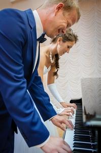 http://libraphoto.com - фортепиано в четыре руки