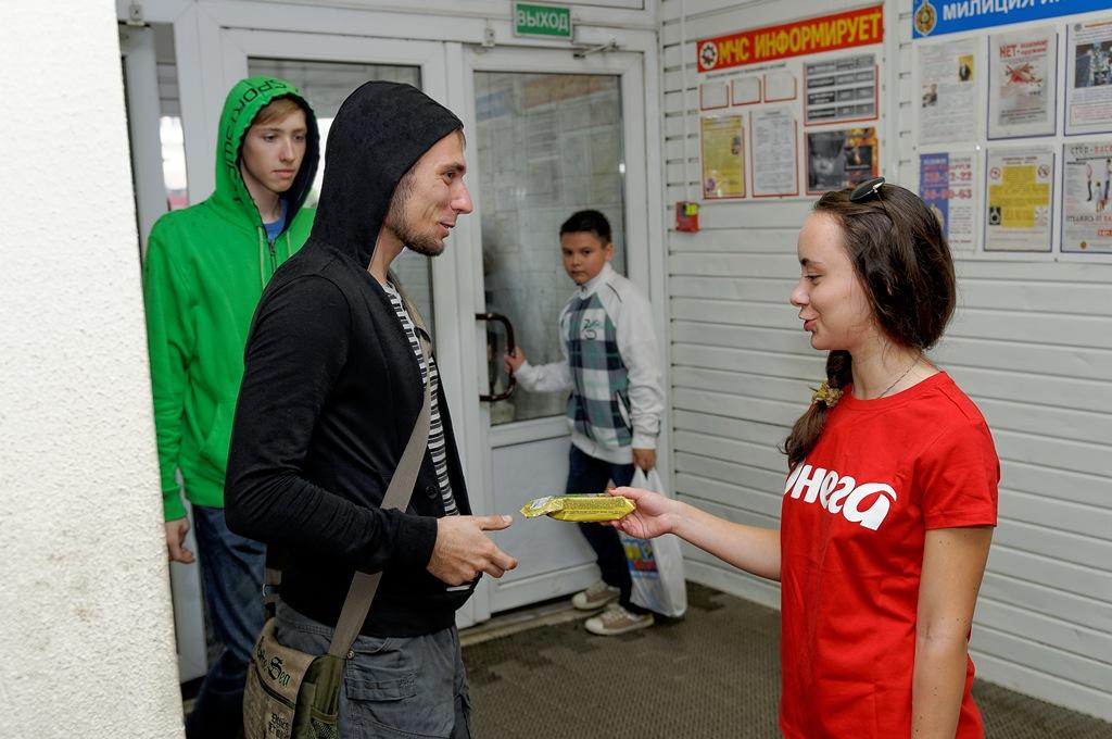 http://libraphoto.com - промоутеры чипсов онега, фотограф Евгений Кормщиков в Полоцке и Новополоцке